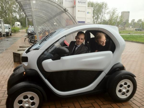 Van Een Renault Twizy Via De Toyota Prius Naar De Tesla Model S Voys